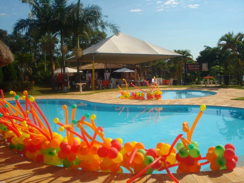 decoracao festa na piscina:Caixa Mágica Decorações de Festas: Decoração Balões na Piscina
