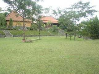 Lapangan Utama - Villa Roso Mulyo