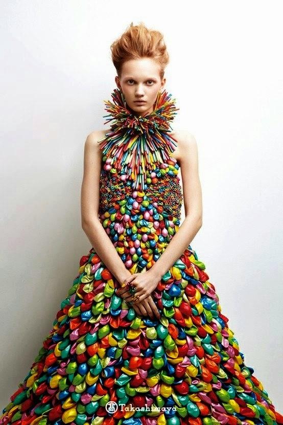 Vestido de globos de colores