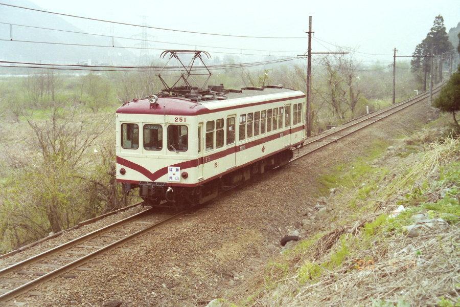 吊り掛け電車をもとめて: 京福電...