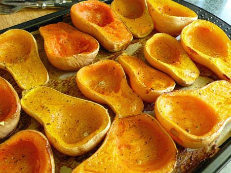 how to cut pumpkin squash