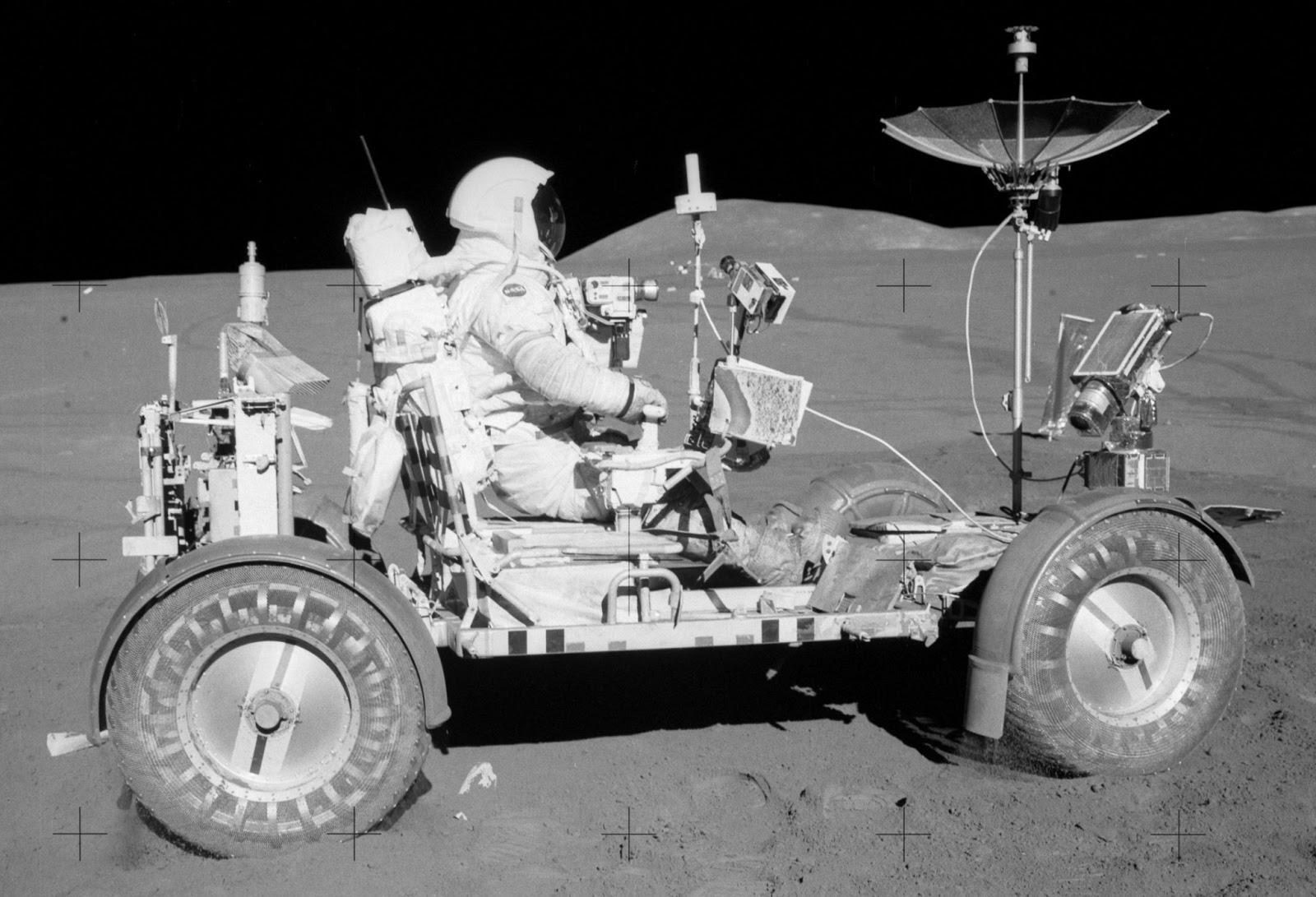 Donde está la Luna?????? Apollo15LunarRover2