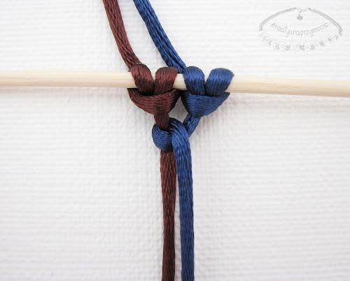 Słupek z węzłów łańcuszkowych - 3