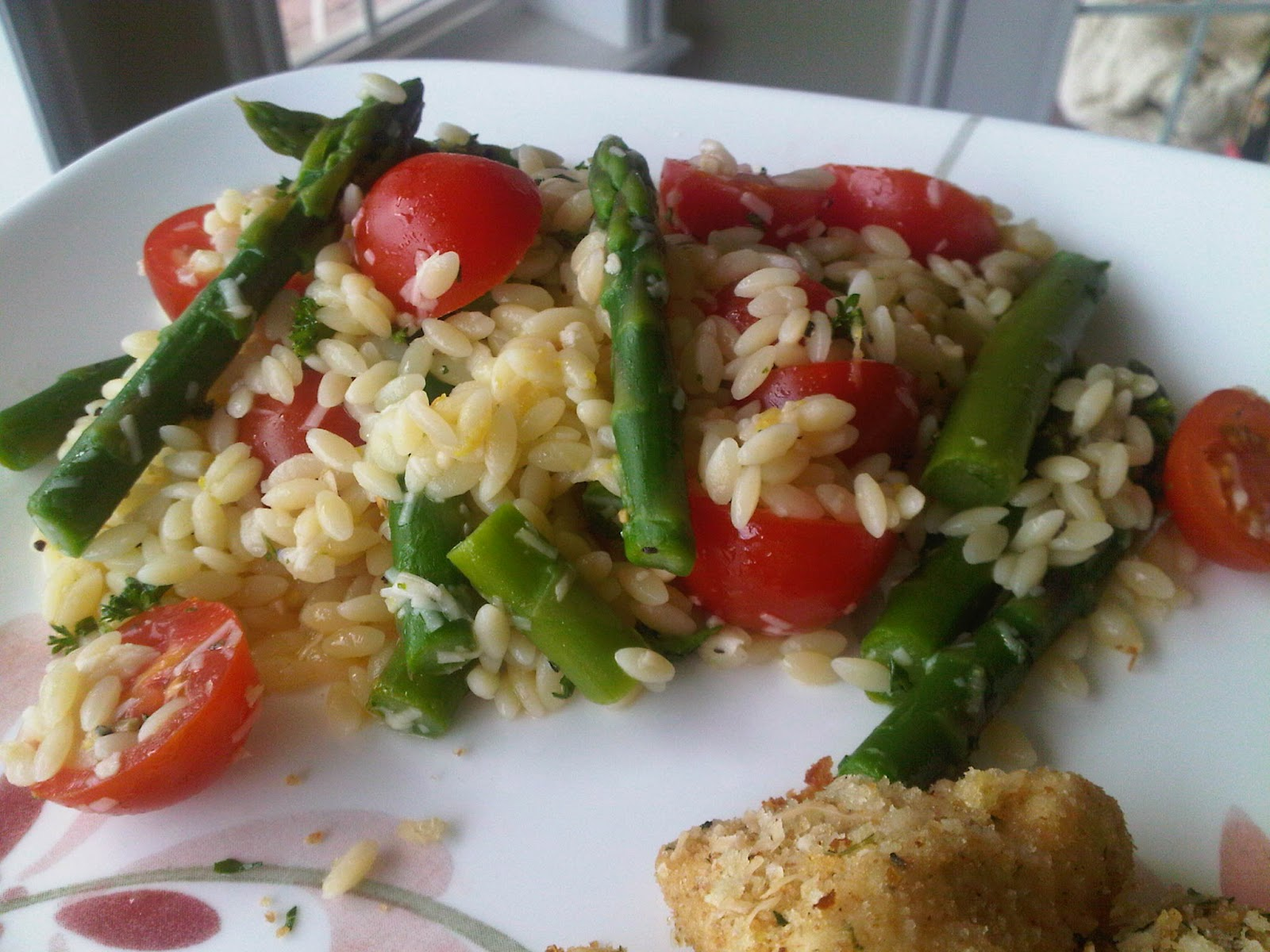Healthy and Yummy Meals: Lemon Orzo Salad with Asparagus and Tomatoes