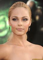 Laura Vandervoort Green Lantern premiere in LA