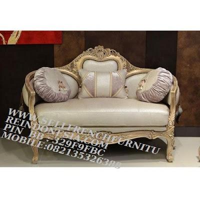 sofa jati jepara furniture mebel ukir jati jepara jual sofa tamu set ukir sofa tamu klasik set sofa tamu jati jepara sofa tamu antik sofa jepara mebel jati ukiran jepara SFTM-55138 jual mebel duco putih sofa duco ukir jepara