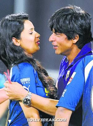 gayatri reddy hugging Shah rukh khan, gayatri reddy almost kissing SRK - (13) - Gayatri Reddy Hot Pics at IPL Matches