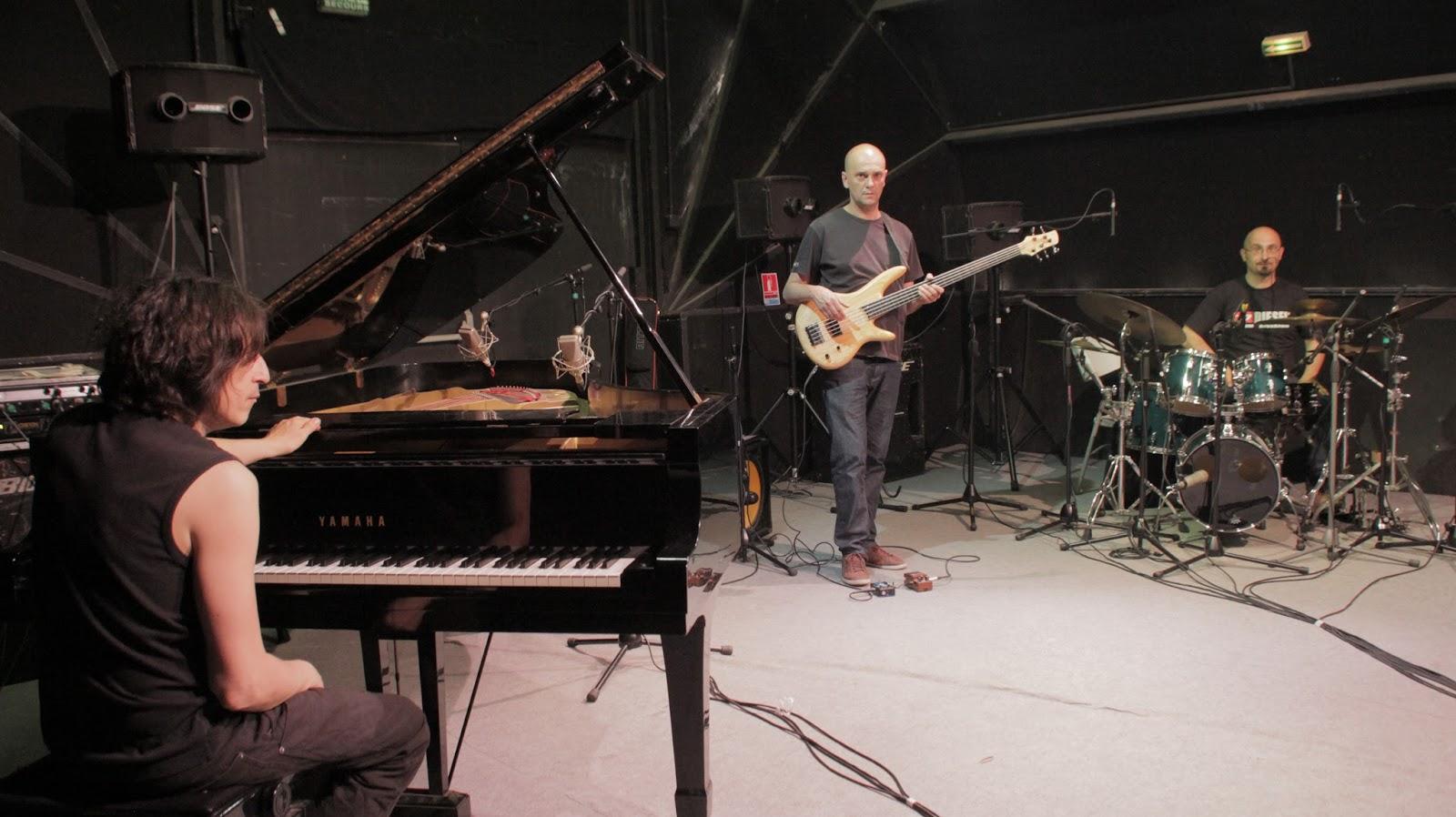 Musiciens, compositeurs, arrangeurs et interprètes du studio d'enregistrement Medusa Prod à Marseille
