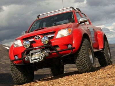 Toyota on Toyota Hilux 4x4 Toyota Hilux Was The First Car To Be Driven To The