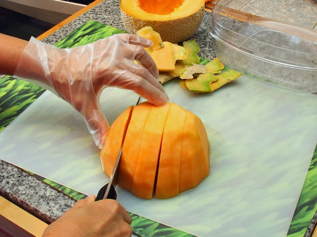 Slice the cantaloupe.