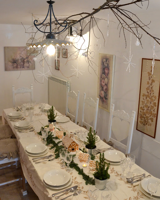 Christmas tablescape http://shabbychiclife-silvia.blogspot.it