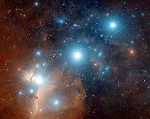 Tres estrellas alineadas