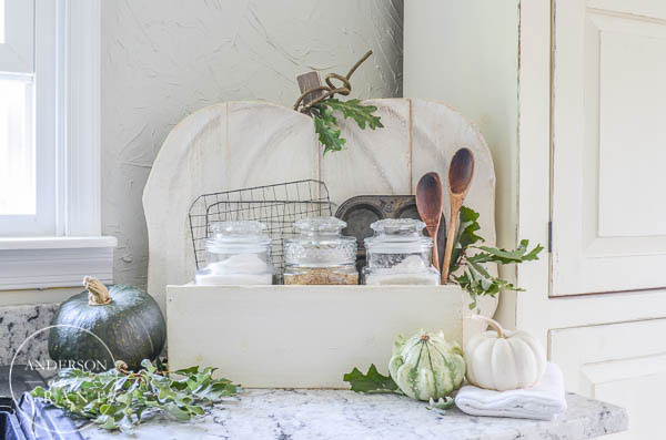 Check out this post and learn how to create a Rustic Pumpkin Stand for your home this fall!  |  www.andersonandgrant.com