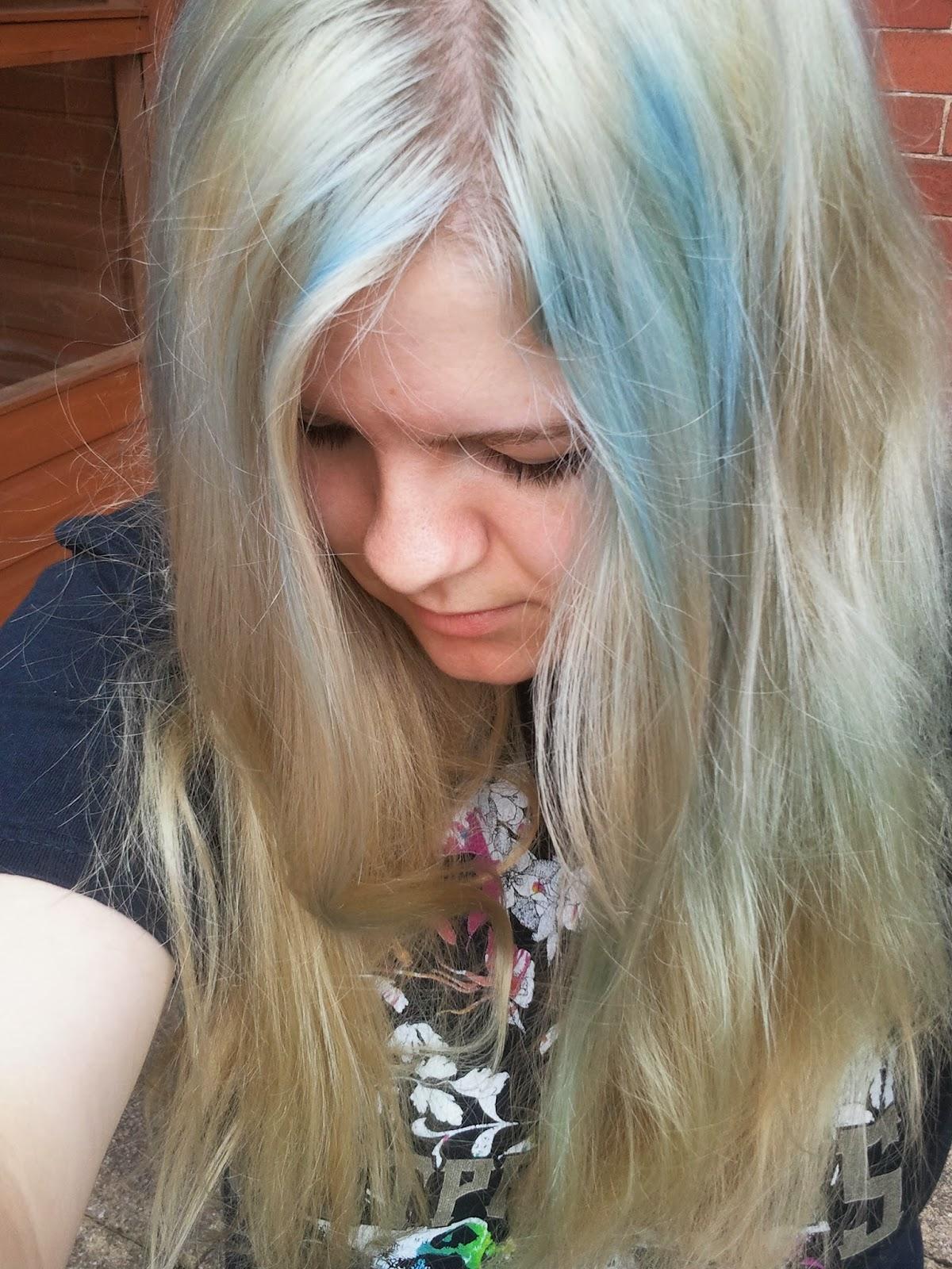 Blonde hair dye for stunning
