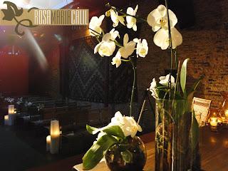 trio velas ambar, trio orquideas, mesa cerimônia