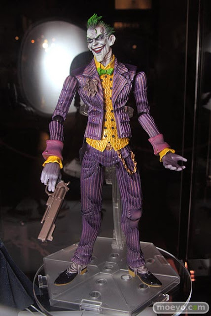 Play Arts Batman Arkham Asylum The Joker