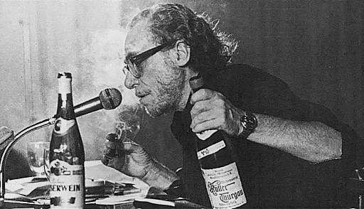 Charles Bukowski presente