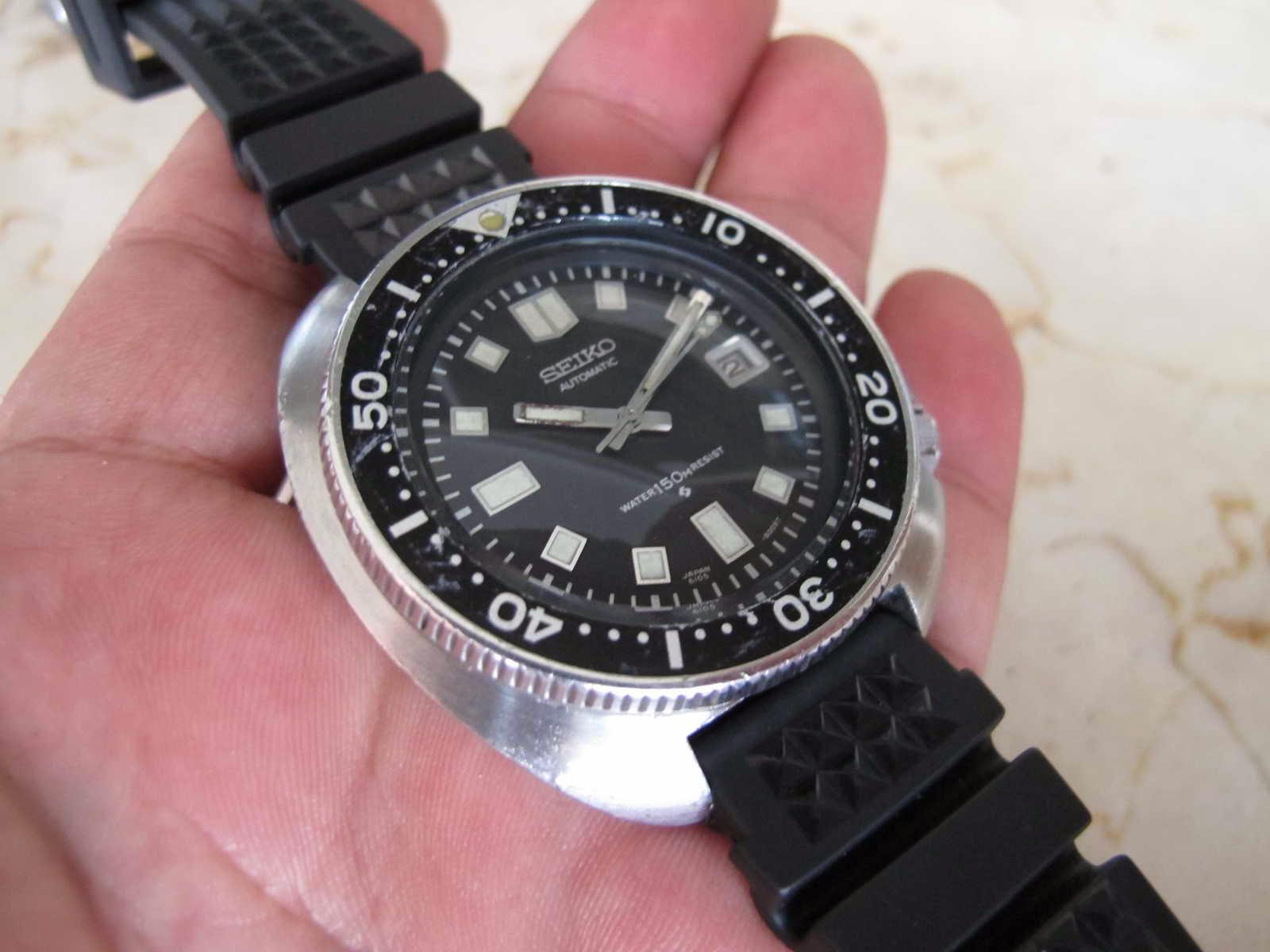 Harga pasaran jam ini di luar bisa mencapai USD1000 an... itupun sudah  susah untuk mencarinya.... Nice Seiko Diver 6105 8110... Diver Never Die. d131612f29