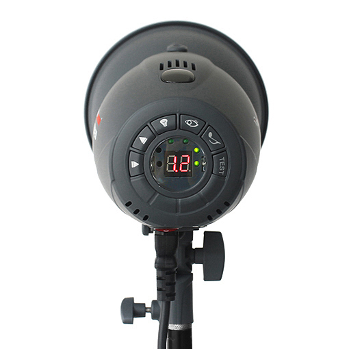 http://prostudio360.it/FotoQuantum-Flash-Kit-FQM-500-montaggio-Bowens-con-Softbox-60x90cm