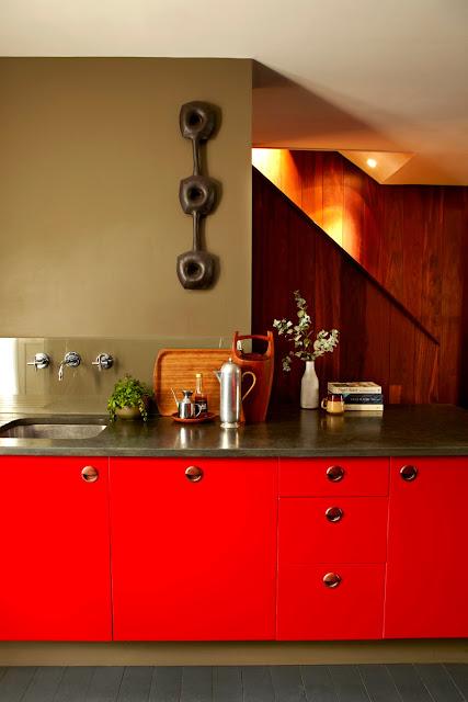 Einrichtung mit Design und Farbe in London - so geht lässige Gemütlichkeit im 1960er Jahre Stil: Küche