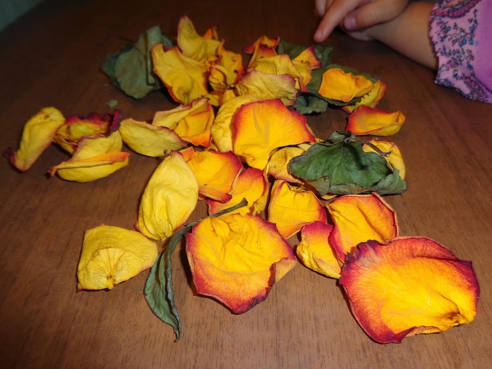 Лилии из салфеток своими руками