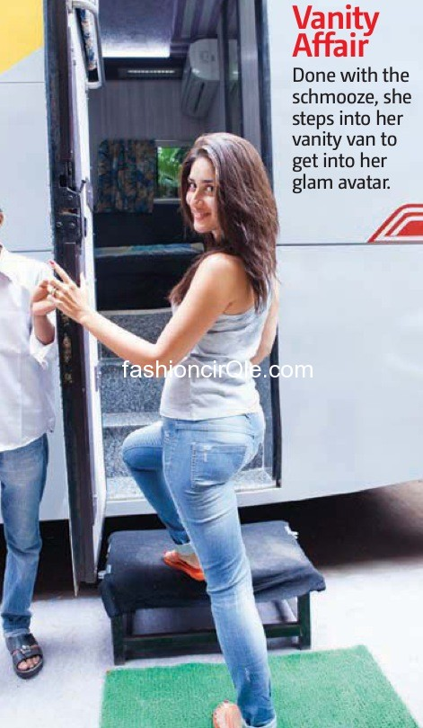 kareena kapoor going in her vanity van - (17) - Kareena Kapoor on the sets of Halkat Jawani - Unseen Pics