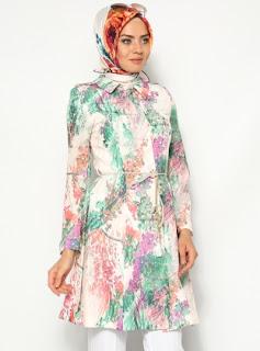 Koleksi busana muslim modis wanita modern masa kini