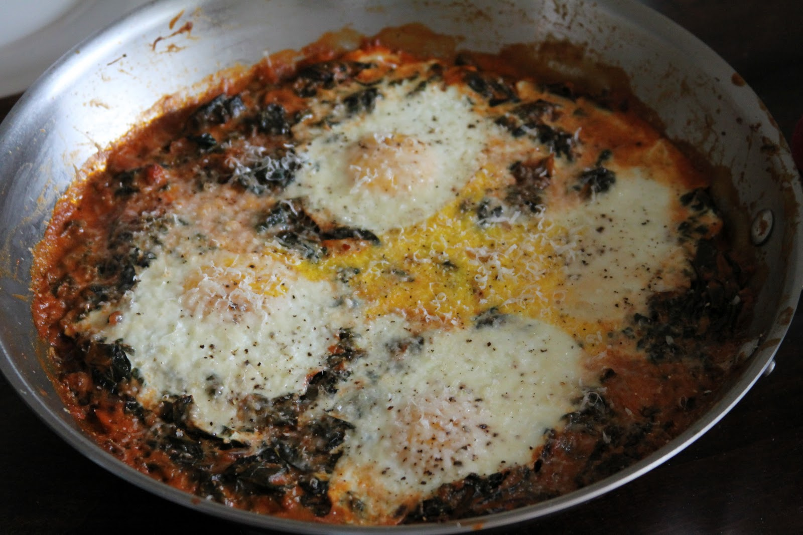 Baked Eggs with Spinach in a tomato cream sauce :: Plate and Pour