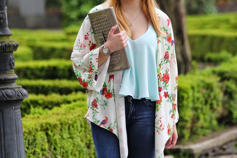 kimono_flores-clutch_plateado-camiseta_zara_turquesa-blog_bilbao