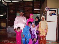 Keluarga saya :)