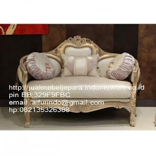 sofa klasik french ukir jepara,sofa klasik jepara Mebel furniture klasik jepara jual set sofa tamu ukir sofa tamu jati sofa tamu antik sofa jepara sofa tamu duco jepara furniture jati klasik jepara SFTM-33076