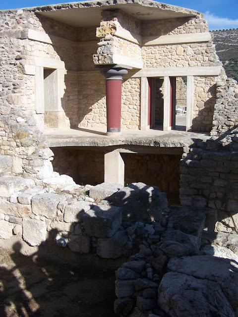 Knossos Sarayı; kesit