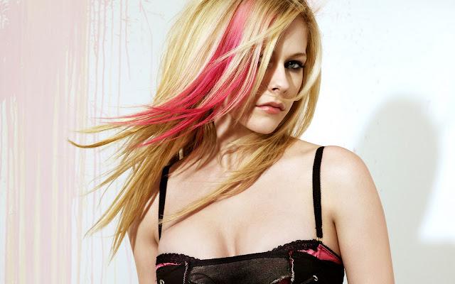 Avril Lavigne HQ Wallpaper