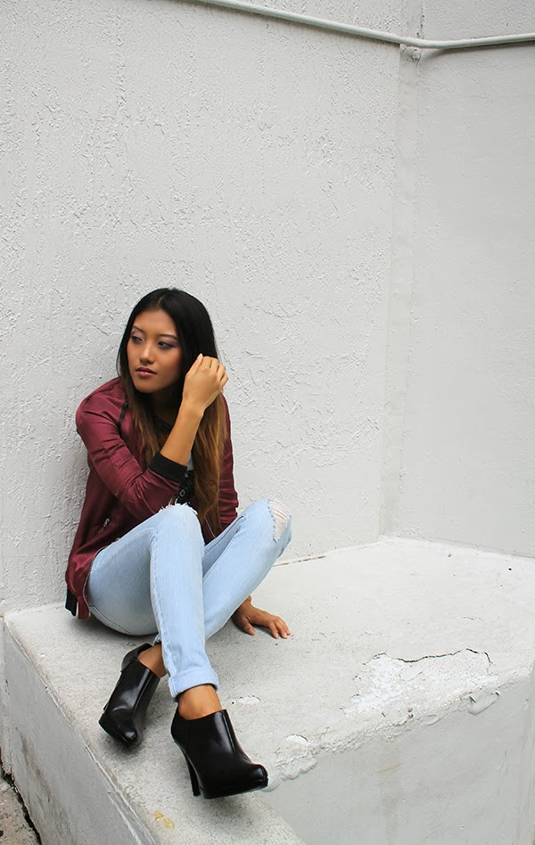 2b bebe, haus of denim, denim trends for fall, fall denim trends, 2013, fall fashion, style by lynsee, miami fashion blogger, top fashion blogger, sporty outfit, how to style denim, how to wear skinny jeans, light wash denim, steve madden, express, h and m, hm, bebe