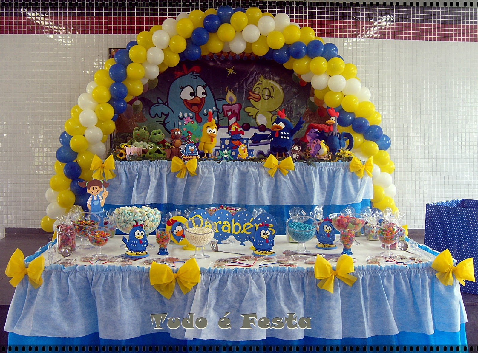 decoracao galinha pintadinha azul e amarelo:Andréiartes: Decoração Galinha Pintadinha Amarelo
