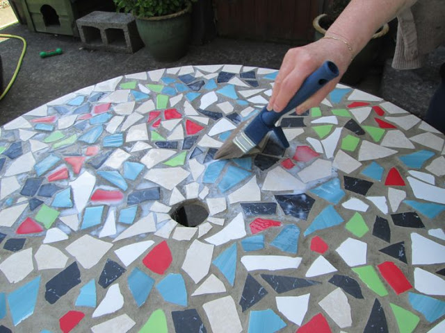 50 diy projects with mosaic do it yourself ideas and for How to make ceramic painting