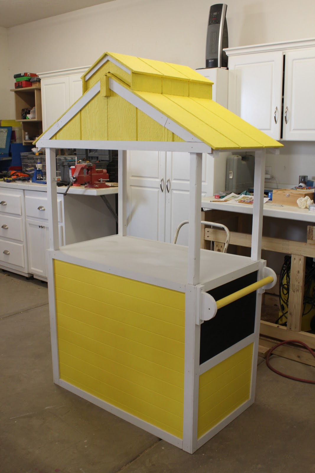 You 39 ve been framed lemonade anyone for How to build a lemonade stand on wheels
