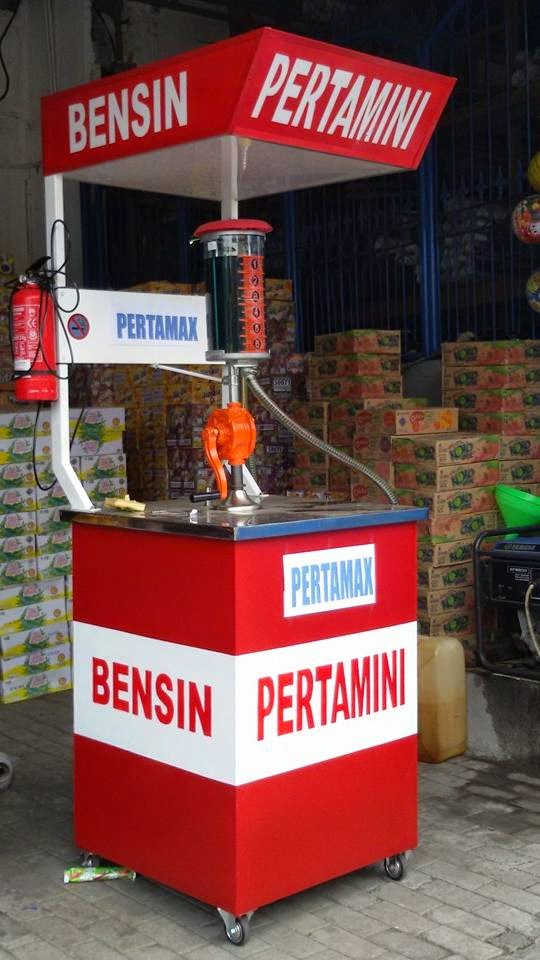 Gasoline box for side road seller