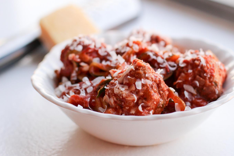 Lake shore lady zucchini noodles with turkey meatballs for Zucchini noodles and meatballs recipe