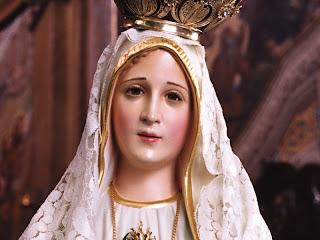 Receba Este lindo adesivo da Mãe de Deus