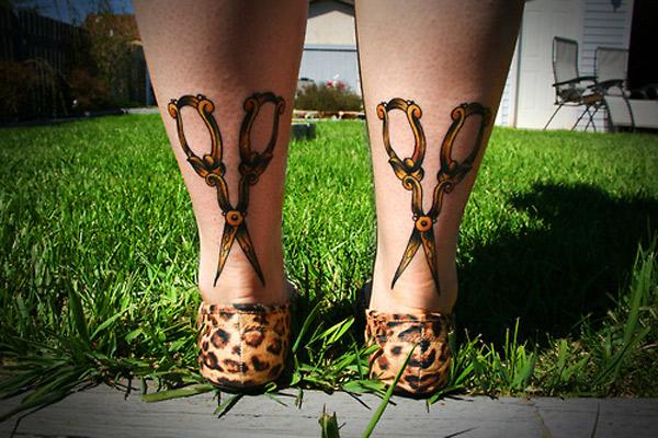 Tatuagem Tesouras No Tornozelo