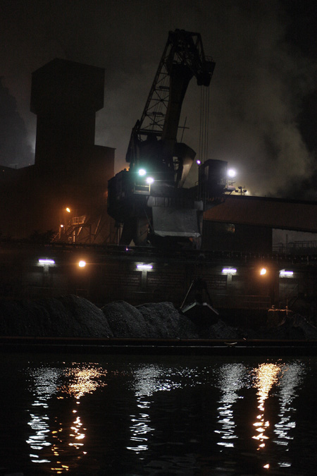 photo, grue, cokerie, seraing, crane, coking plant, paysage industriel, night shot, © dominique houcmant