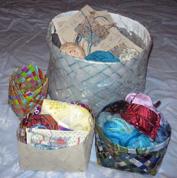 Basket Weaving Using Construction Paper : Ruth s weaving projects how to make plaited paper baskets