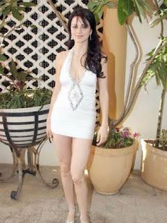 Yana Gupta in Short Dress, Yana Gupta Short Dress Pics