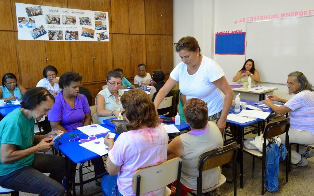 Secretaria da Mulher em Teresópolis promove oficina de artesanato
