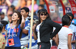 Malayalam and Kannada Film Actresses Pictures at CCL 3 Semi Final 1 Match  0015