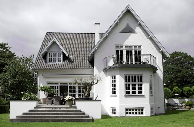 Simply grey and white home design ideas for White house with grey trim