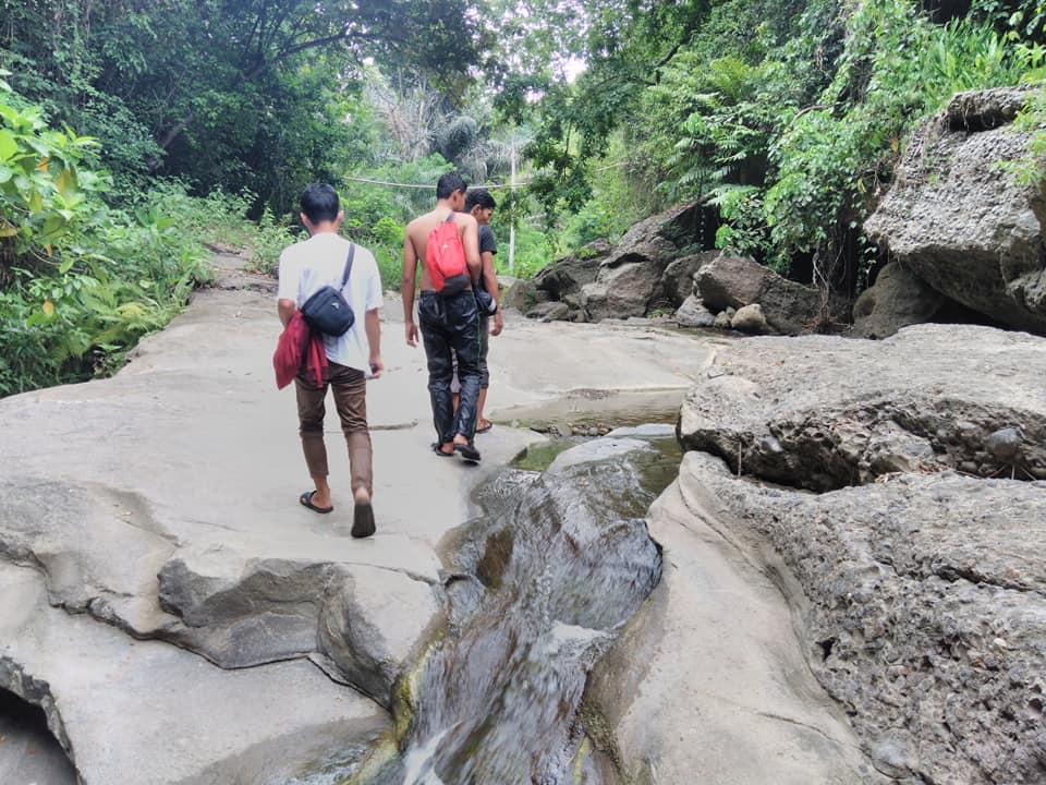 aliran air terjun batu meappar campalagian