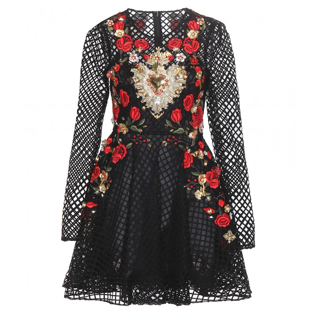 http://www.shopstyle.com/action/loadRetailerProductPage?id=476591741&pid=uid1281-9092841-54
