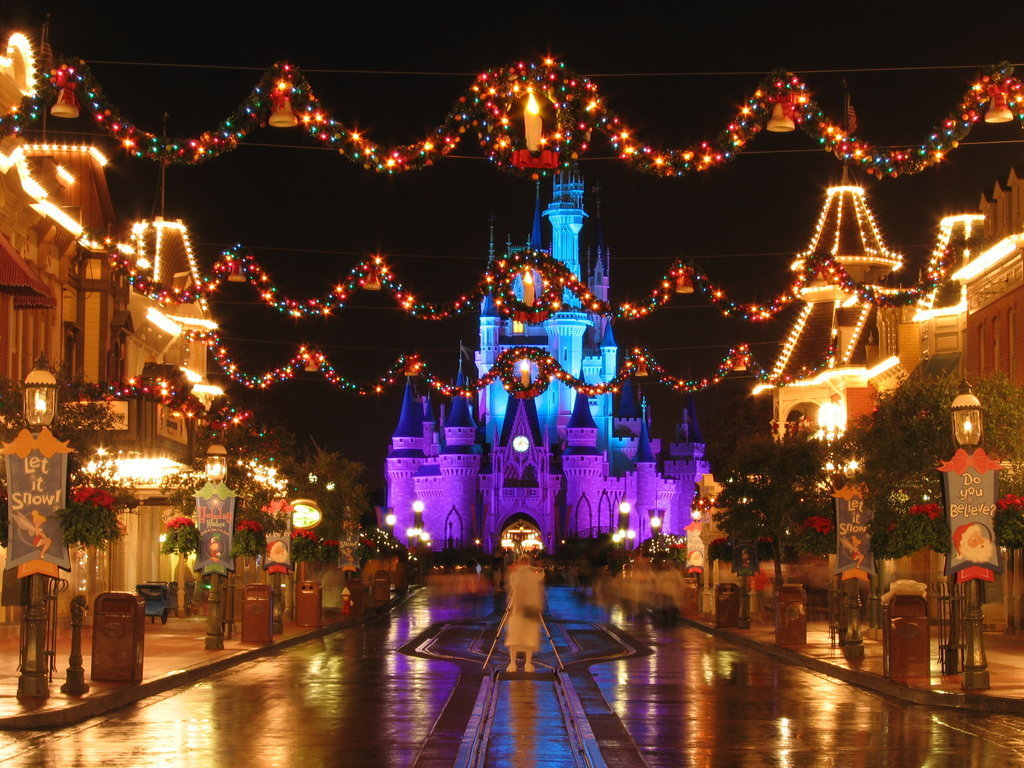 christmas at disney world christmas 2948074 1024 768 - When Is Disney World Decorated For Christmas